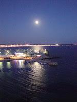 Los rayos de luna besan el mar… (Shelley)